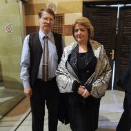 Jaromír Kohlíček s předsedkyní syrského parlamentu Hedijou Abbas